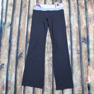 Lululemon Black Yoga Pants Blurred Blossom Band